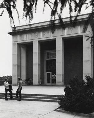 front entrance of Dimond Library 1958