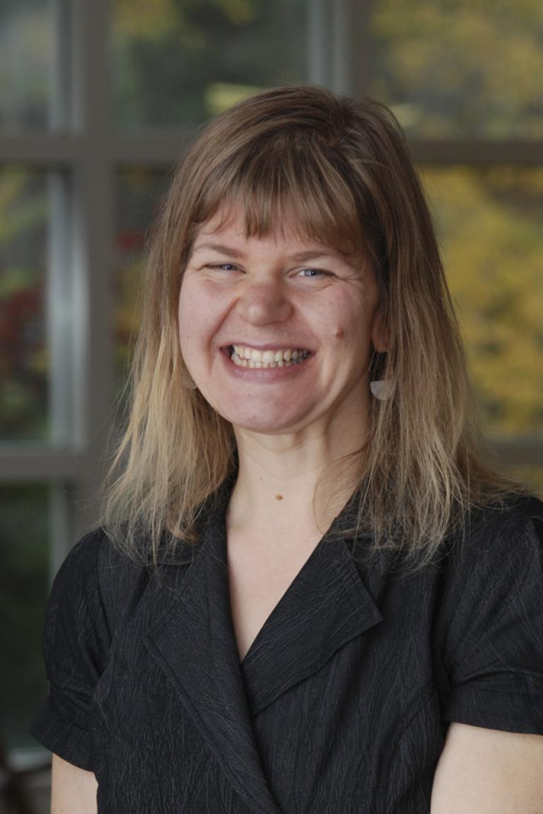 portrait photo of Wendy Pothier